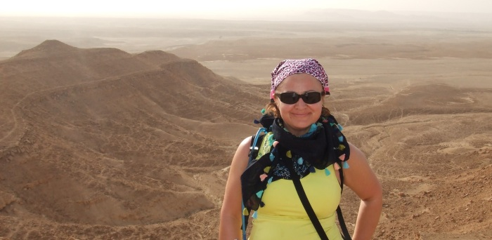 Hiking in the Arabian desert