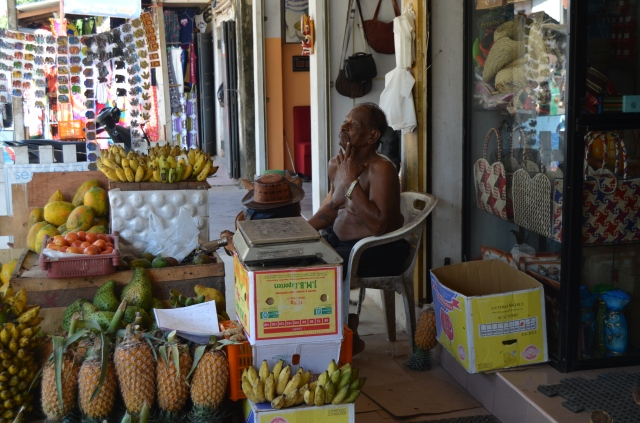 Mirissa fruit stand